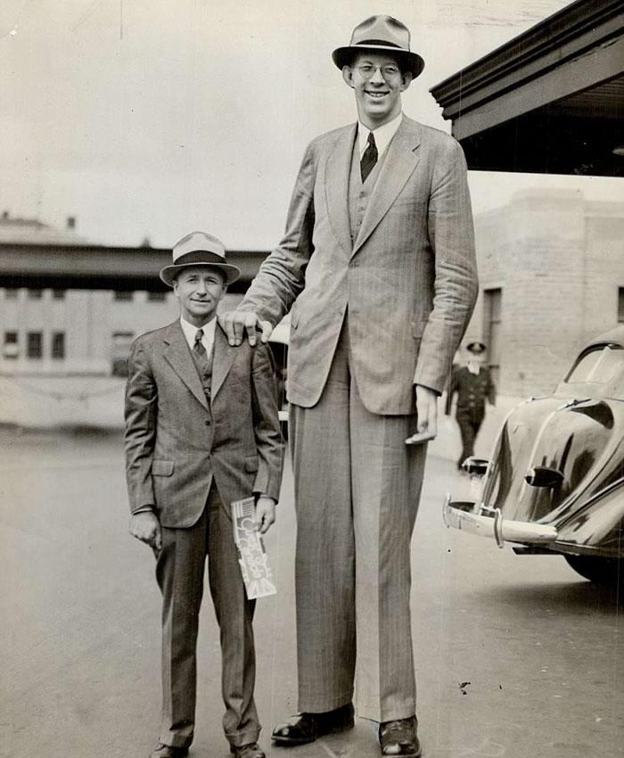 uomo più alto di sempre