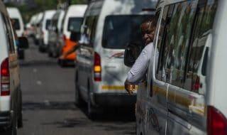 sudafrica attacco minibus
