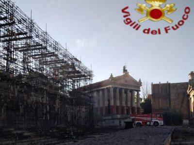 set antica roma cinecittà incendio