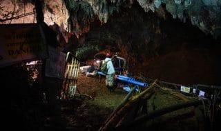 salvataggio squadra calcio grotta