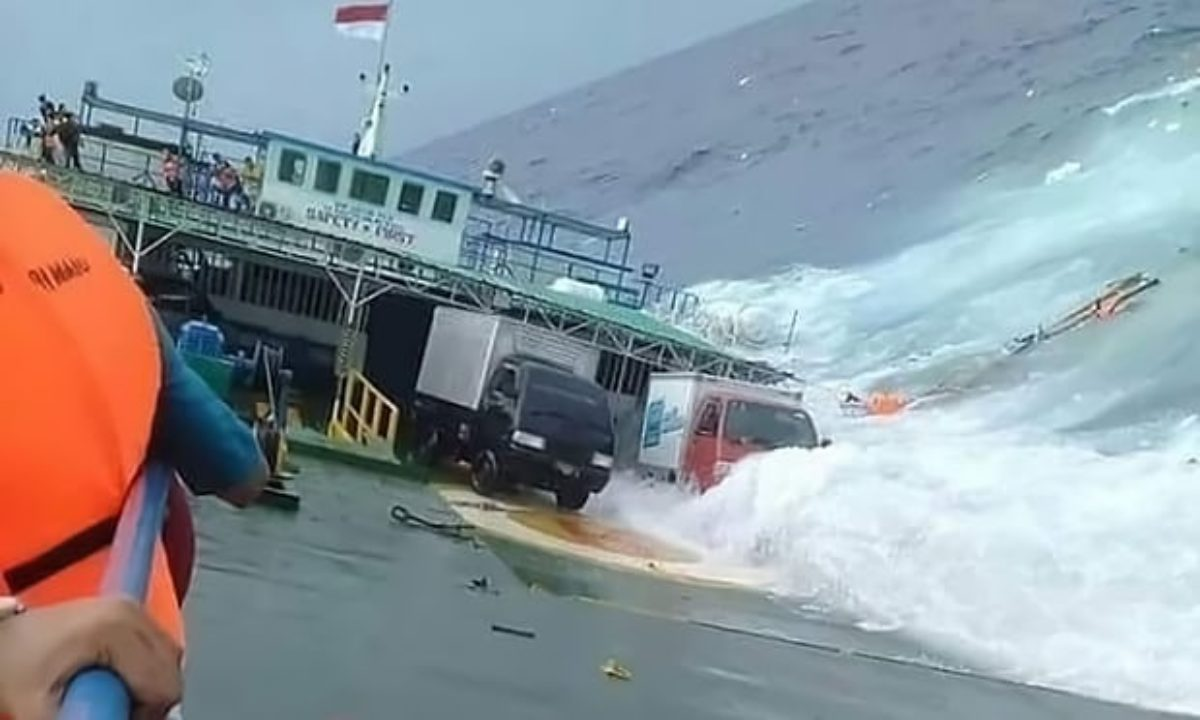 incidente traghetto indonesia