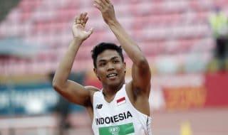 atleta scarpe vince oro