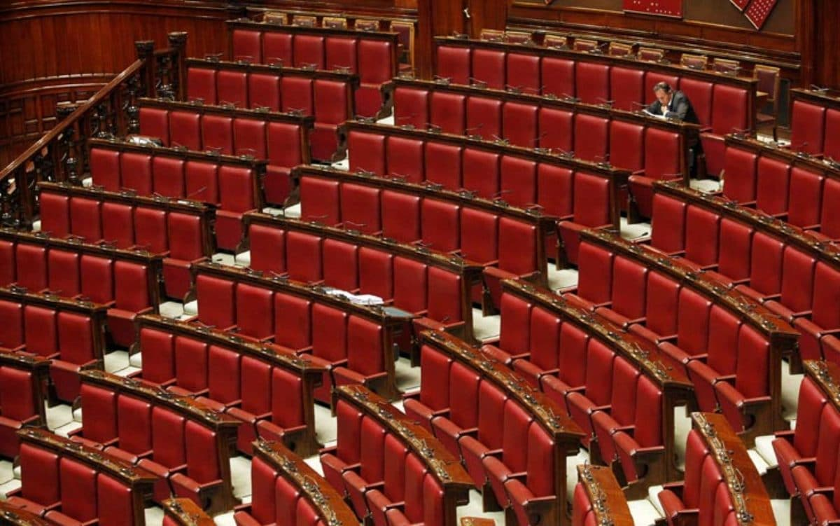 Classifica chi sono i deputati e i senatori pi for Attuale legislatura