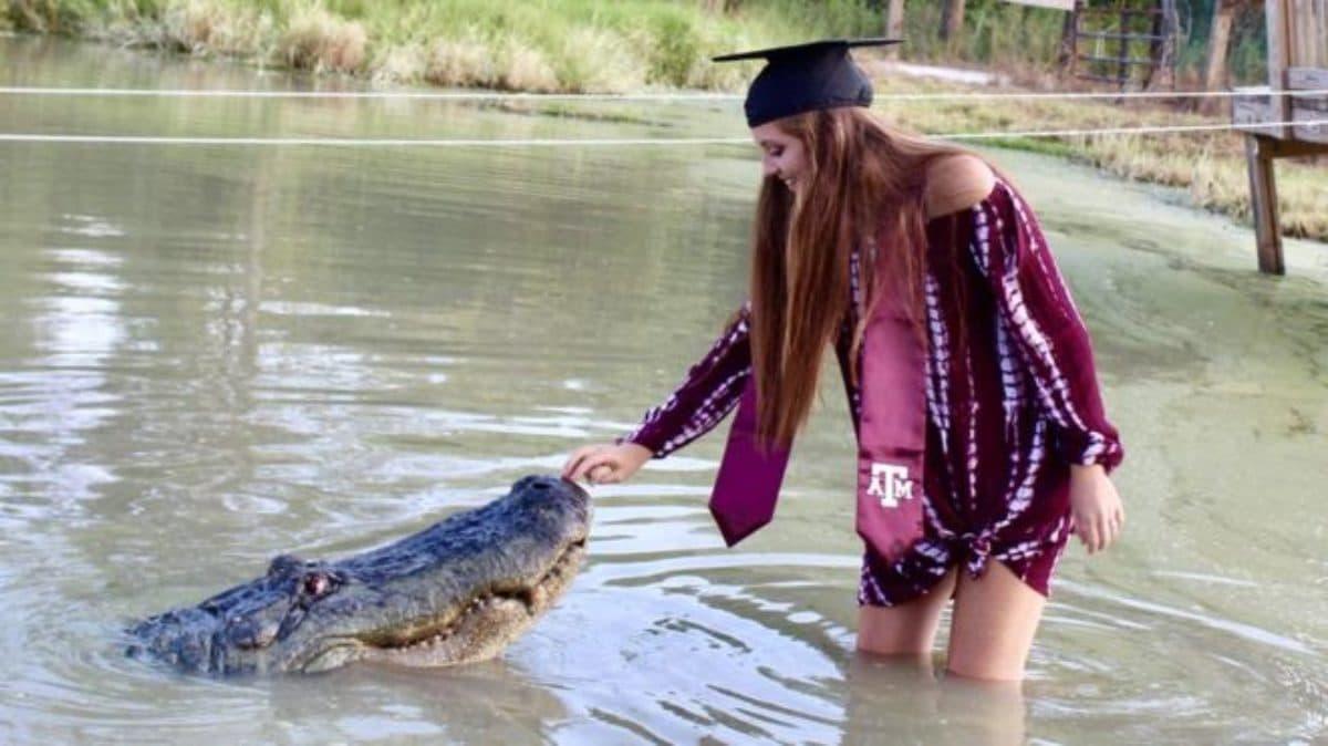 ragazza foto alligatore