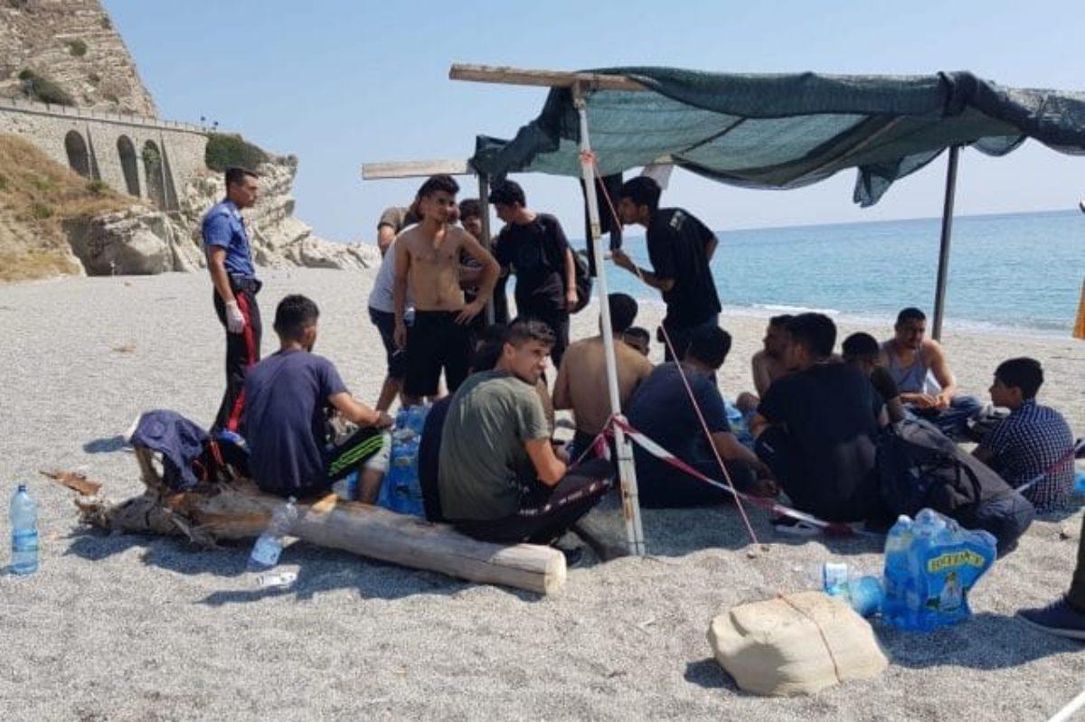 calabria migranti sbarco