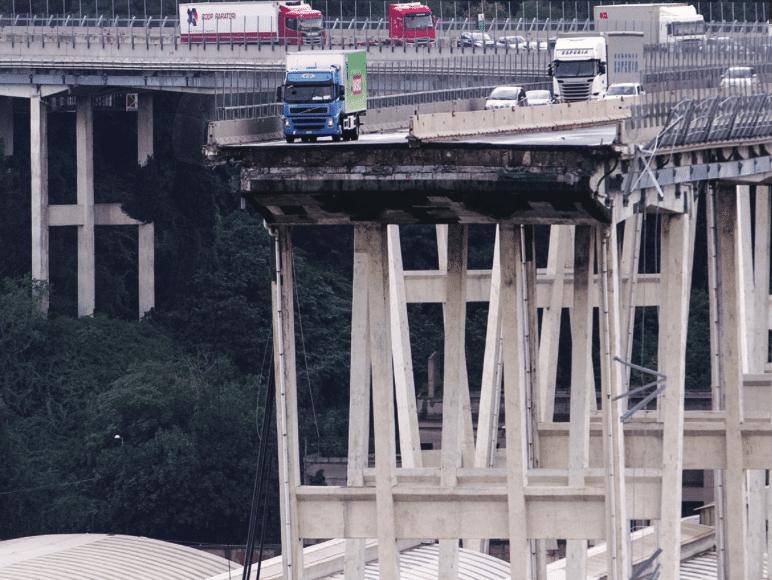camion ponte genova