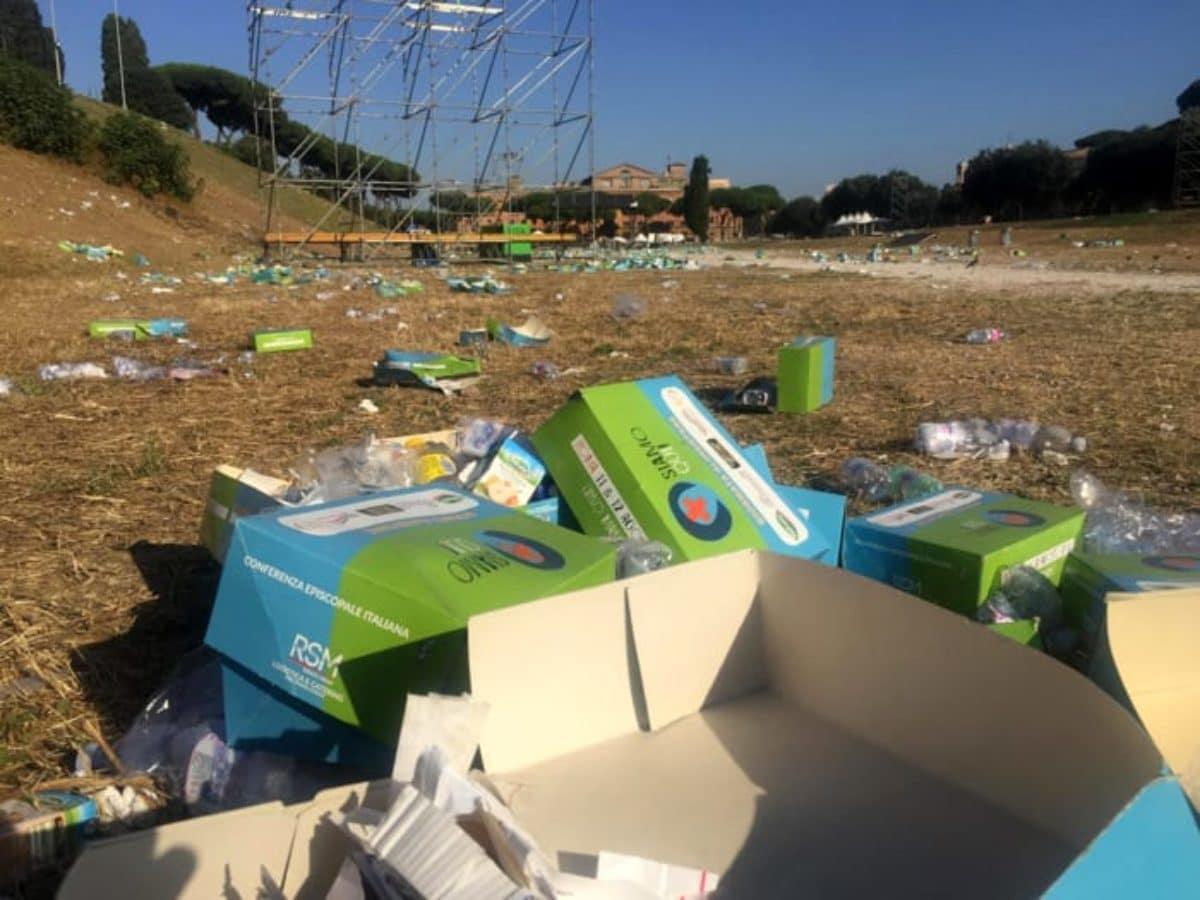 roma circo massimo rifiuti papa francesco