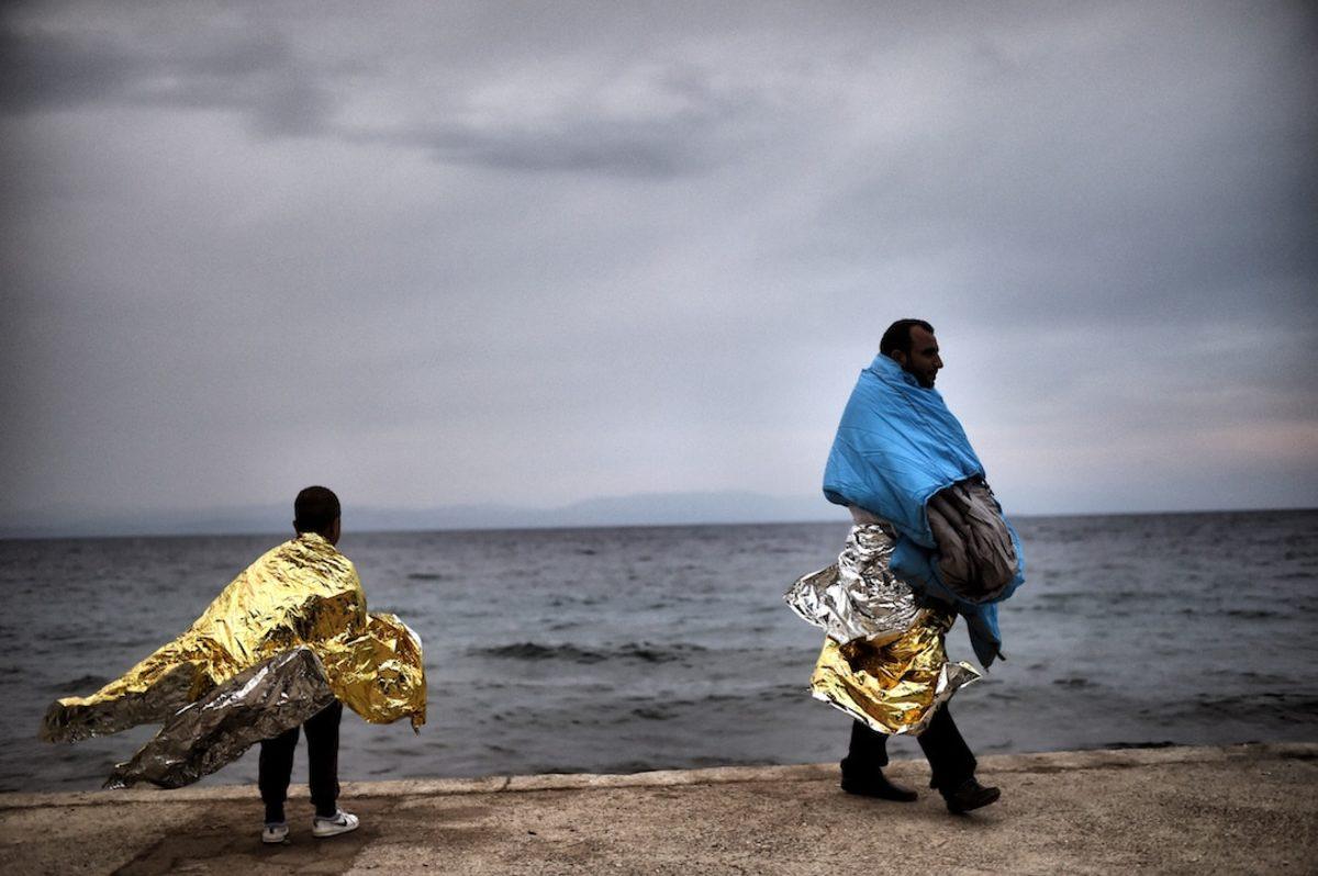 migranti nudi pozzallo
