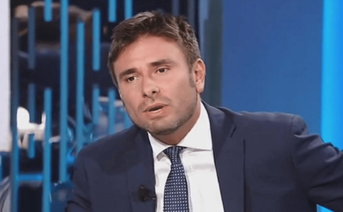 """Di Battista: la Lega renda il maltolto. Spunta ipotesi di prelievo """"graduale"""""""