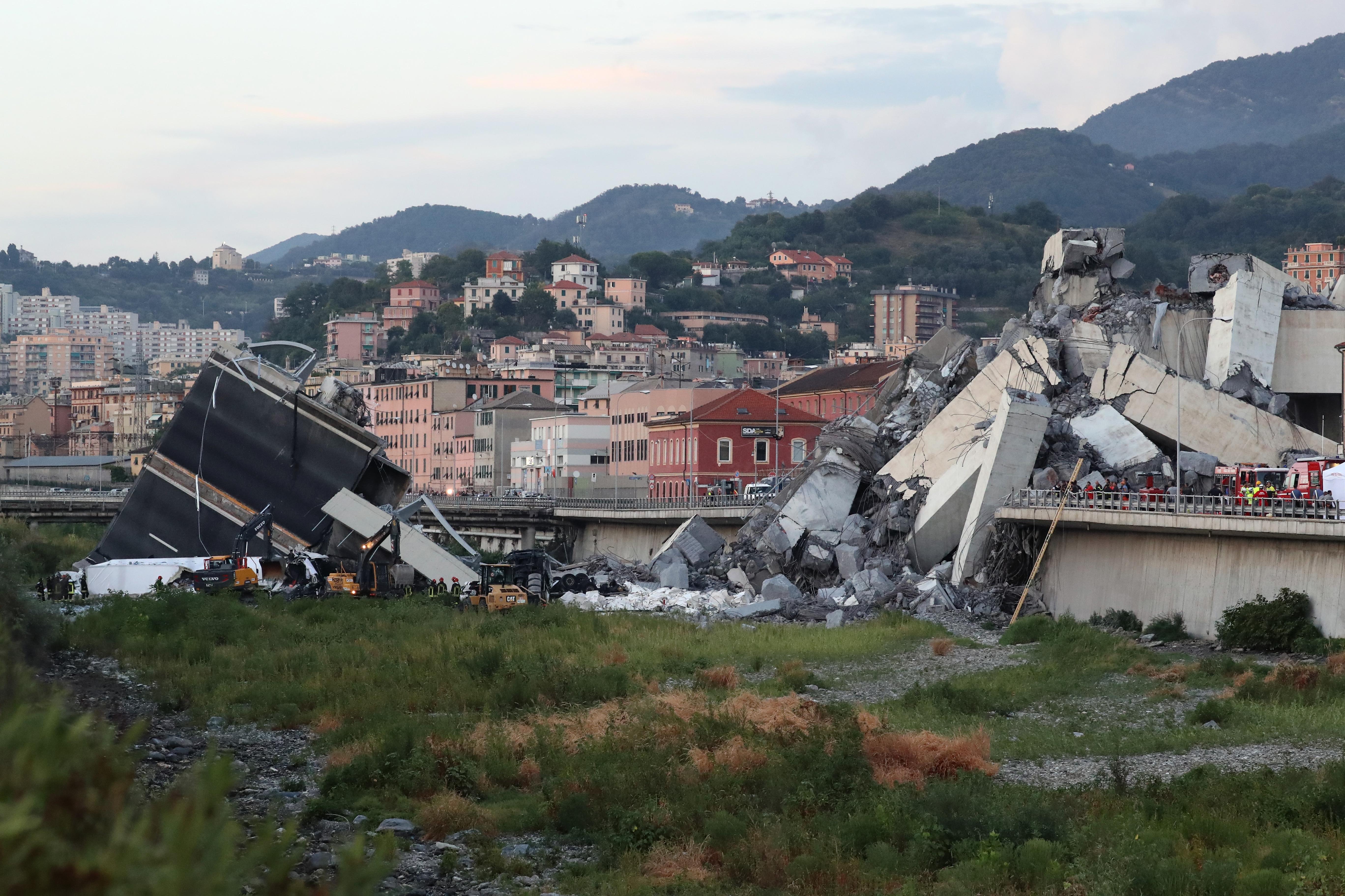 Ponte Genova indagati