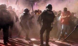 catalogna scontri indipendentisti polizia