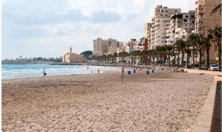spiaggia donne libano