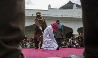 malesia donne omosessuali bastonate