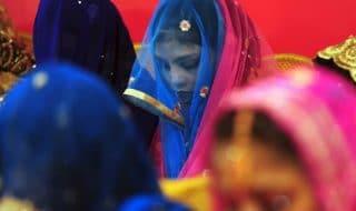 ragazza matrimonio pakistan aiuto
