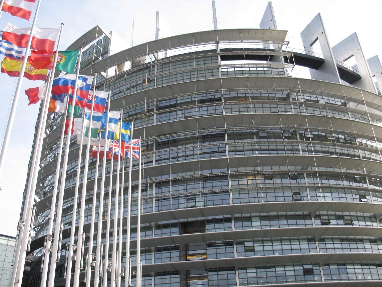 parlamento approva direttiva copyright
