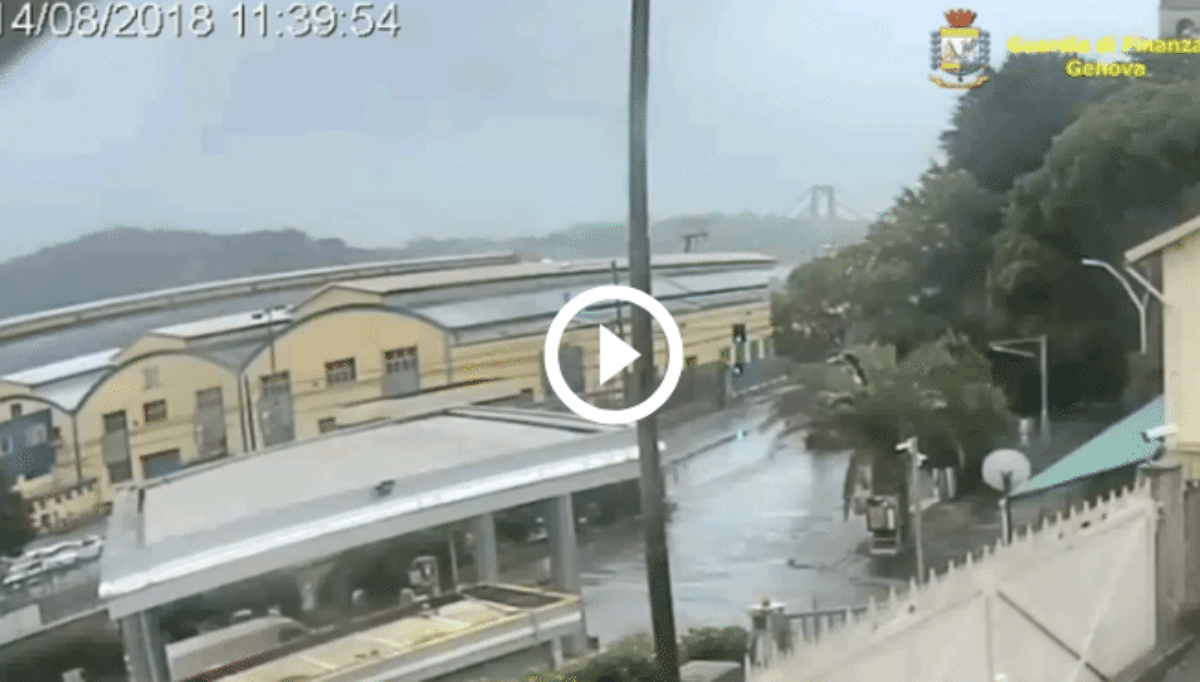 Genova crollo ponte Morandi video