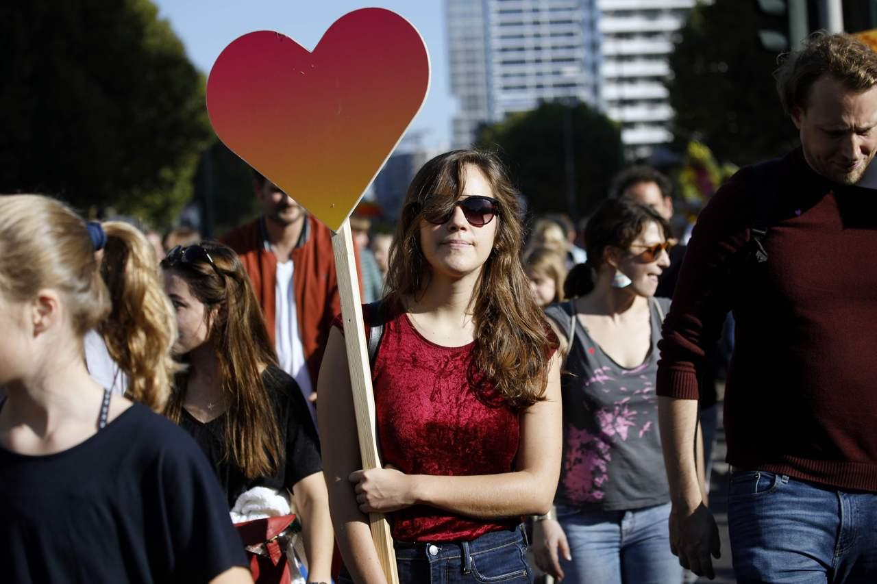 berlino marcia contro razzismo