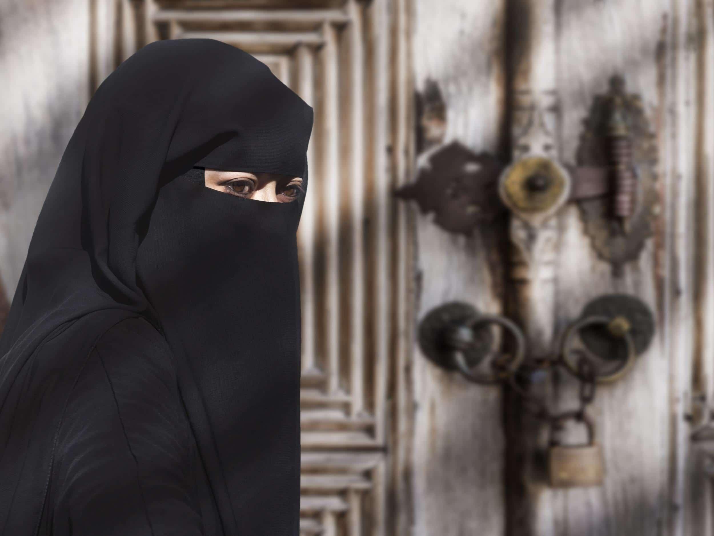 lega velo islamico luoghi pubblici
