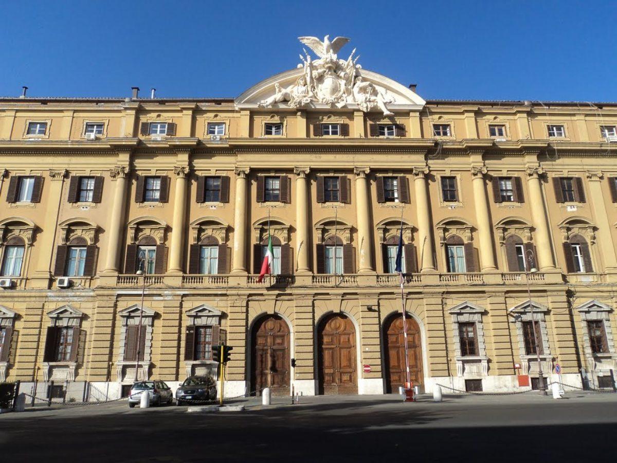 """Manovra, niente procedura d'infrazione per l'Italia: """"Ritardati quota 100 e reddito di cittadinanza"""""""