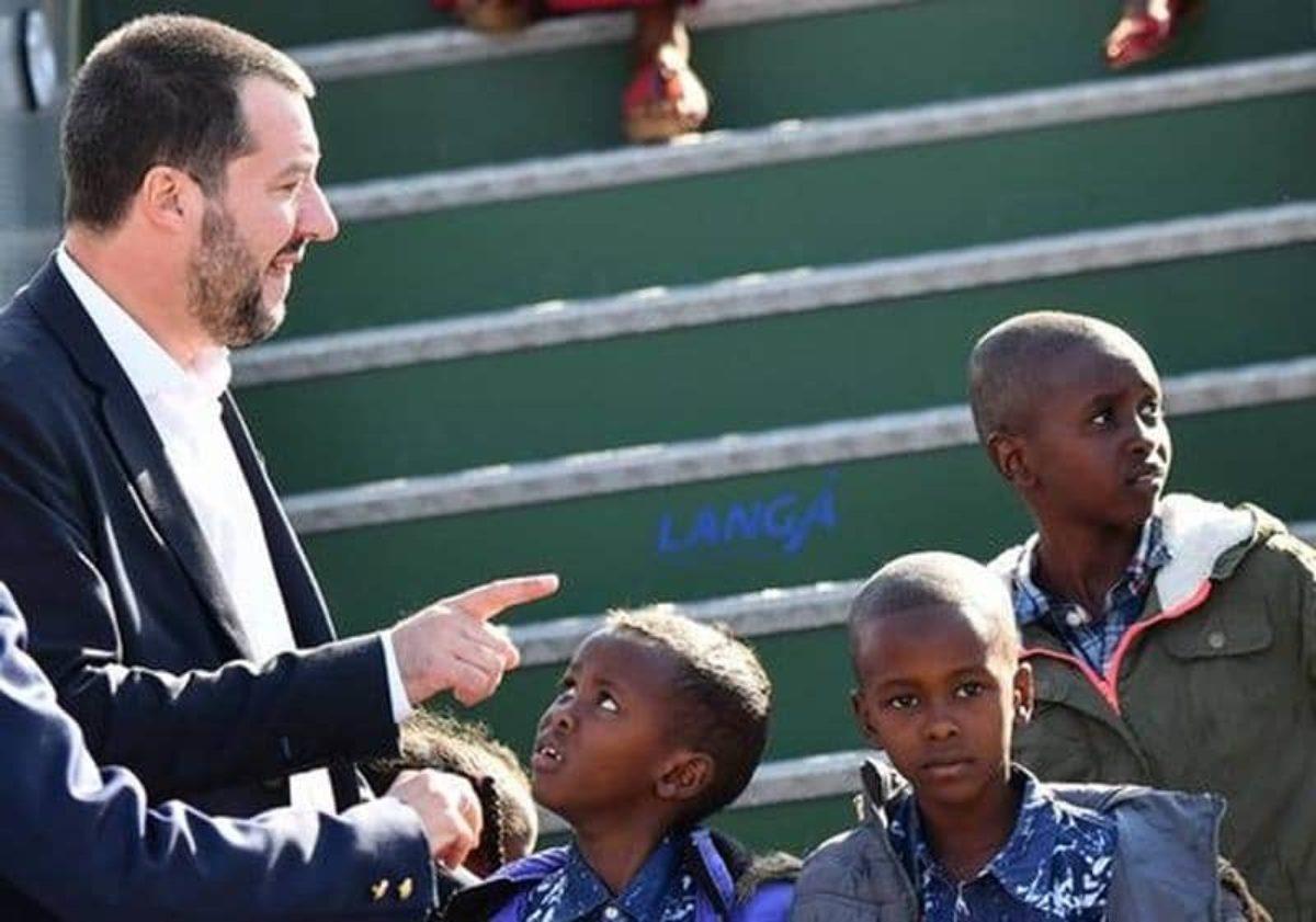 Migranti spinti in Italia dagli svizzeri Salvini: