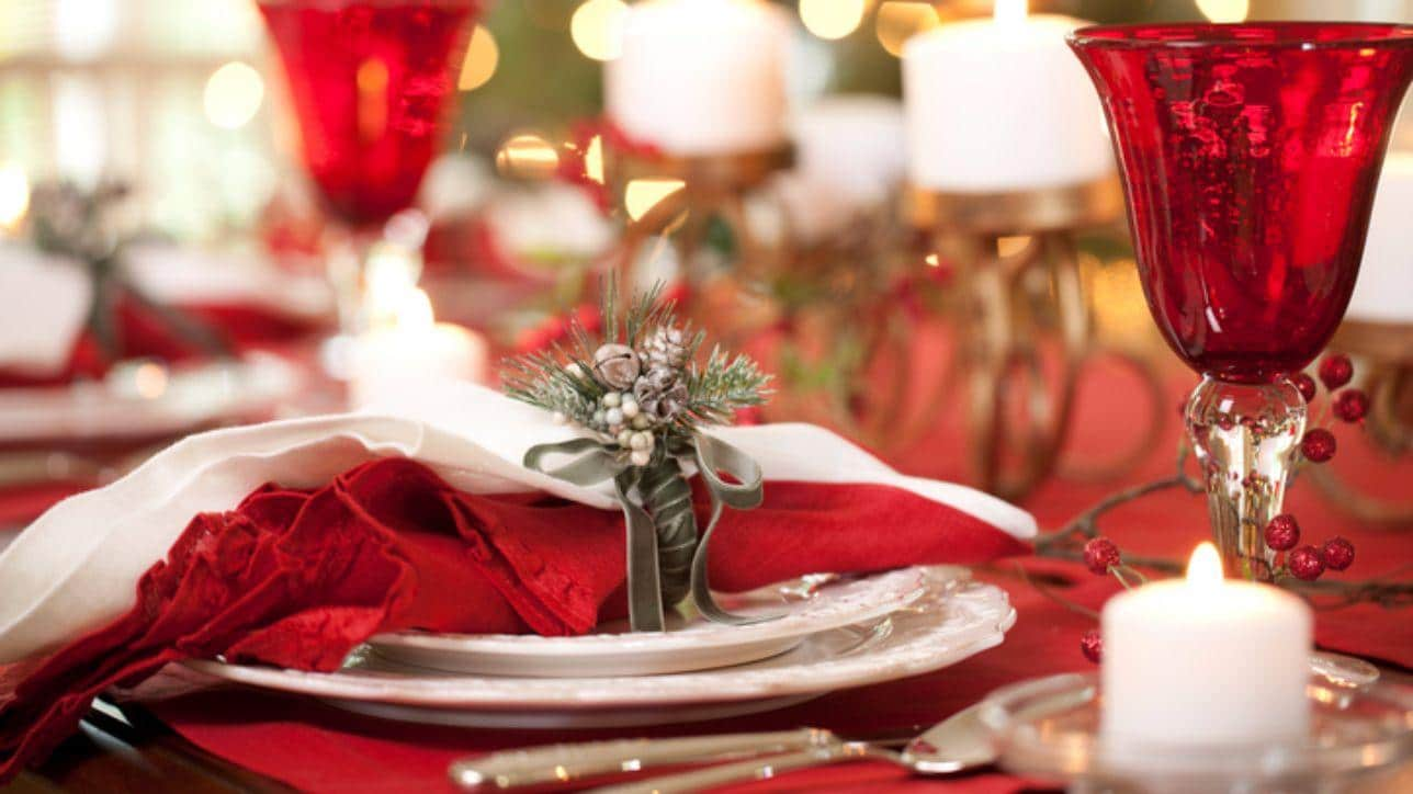 Come Decorare La Tavola Per Natale.Come Apparecchiare La Tavola Di Natale Consigli Tendenze