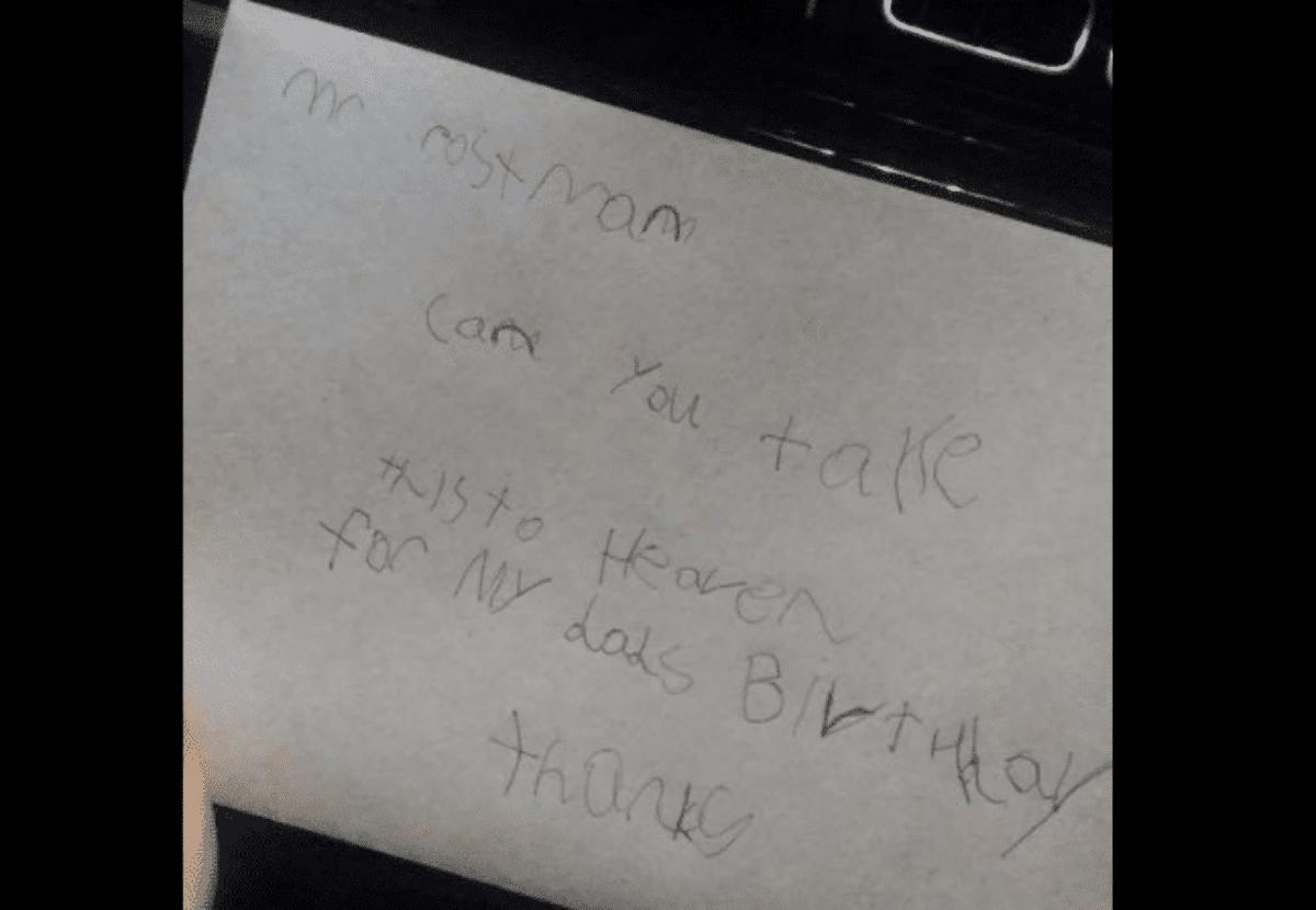 Bimbo spedisce lettera al papà