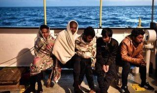 migranti bloccati porto misurata