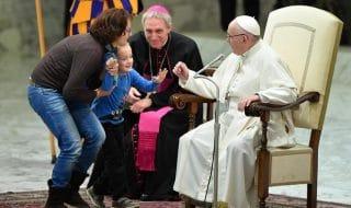 bimbo udienza papa francesco