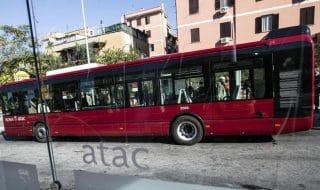 sesso bus roma