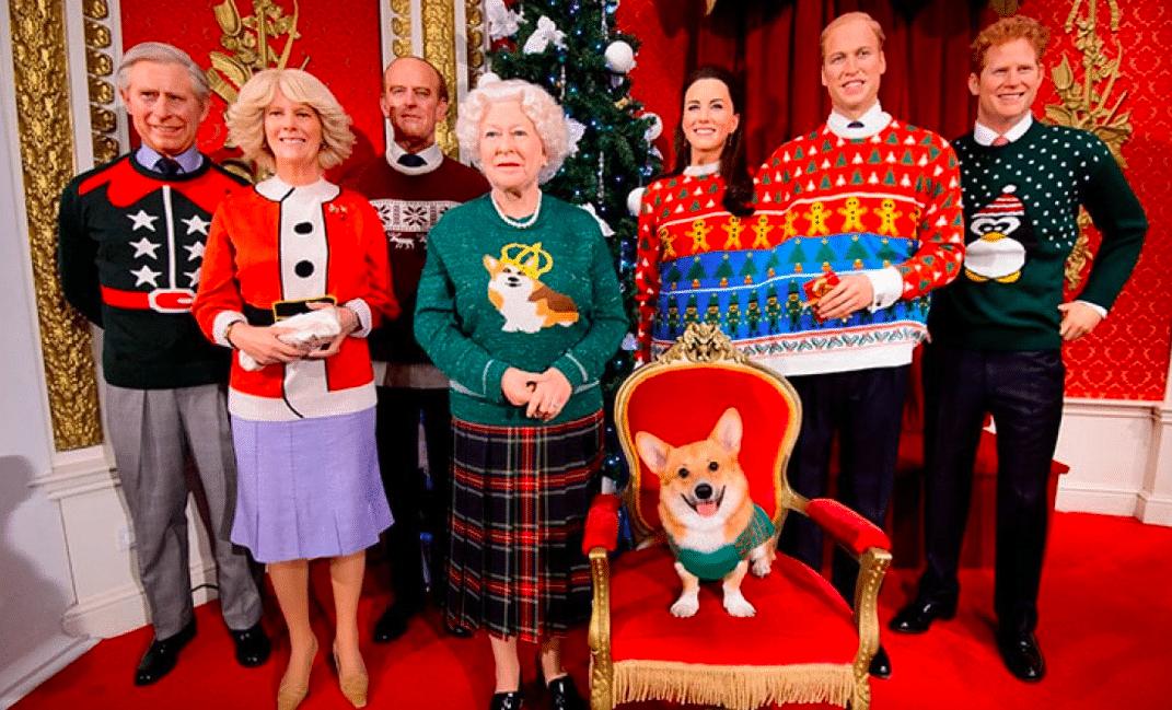 La famiglia reale addobbata per le feste