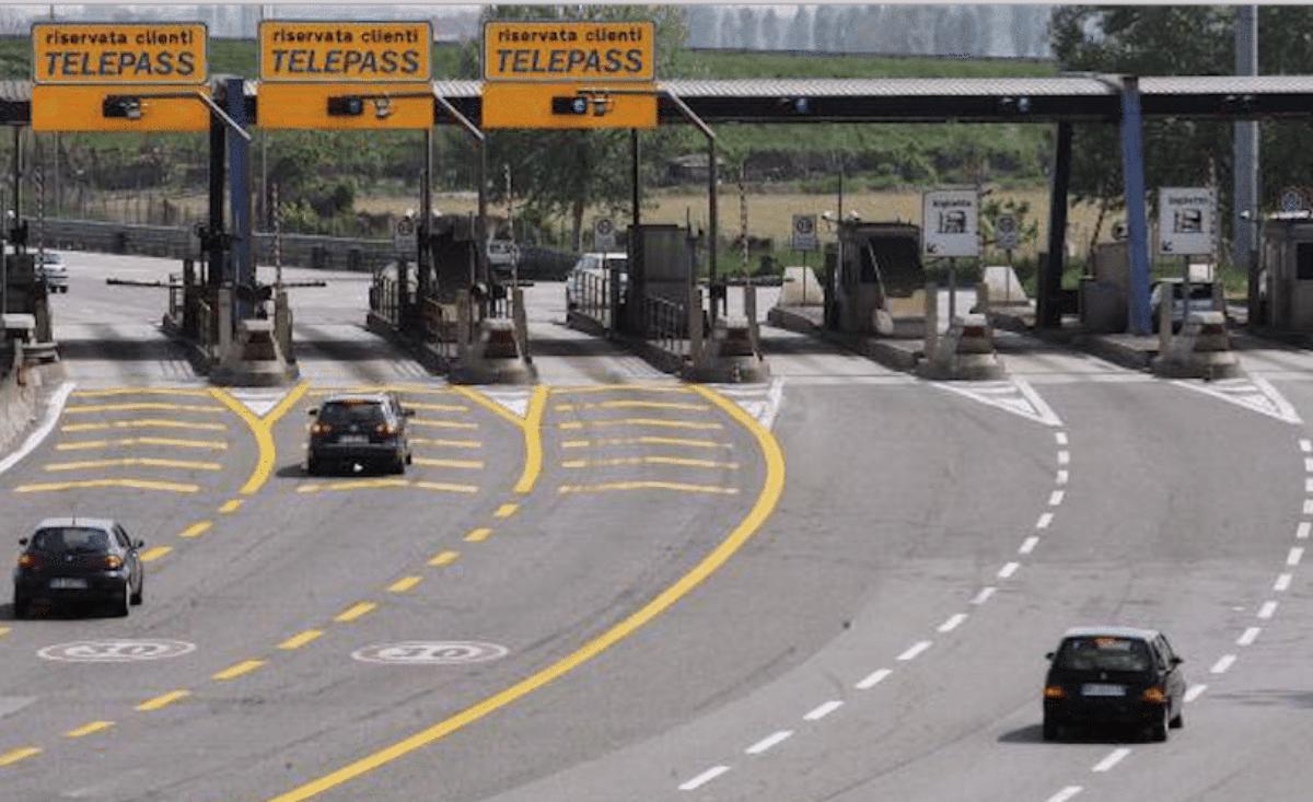 Autostrada A24 e A25 Roma-L'Aquila Sospeso l'aumento dei pedaggi
