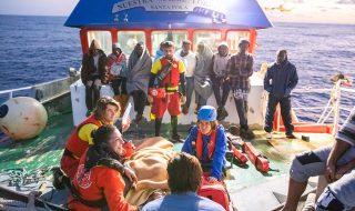 peschereccio spagnolo migranti