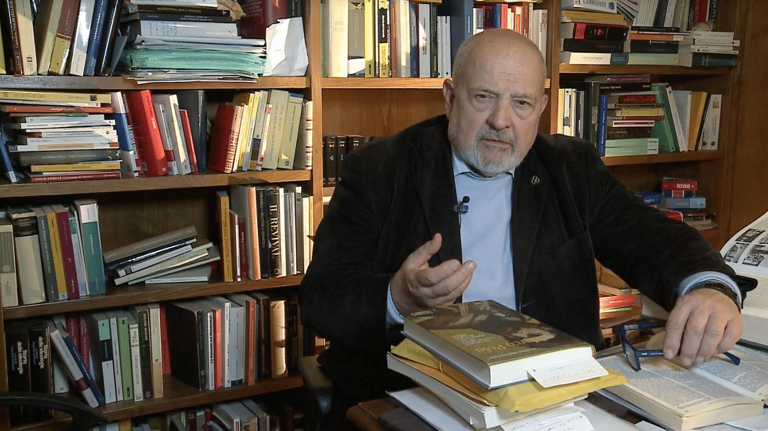 """Il capitalismo è la vera minaccia per l'umanità"""": intervista a Franco  Cardini"""