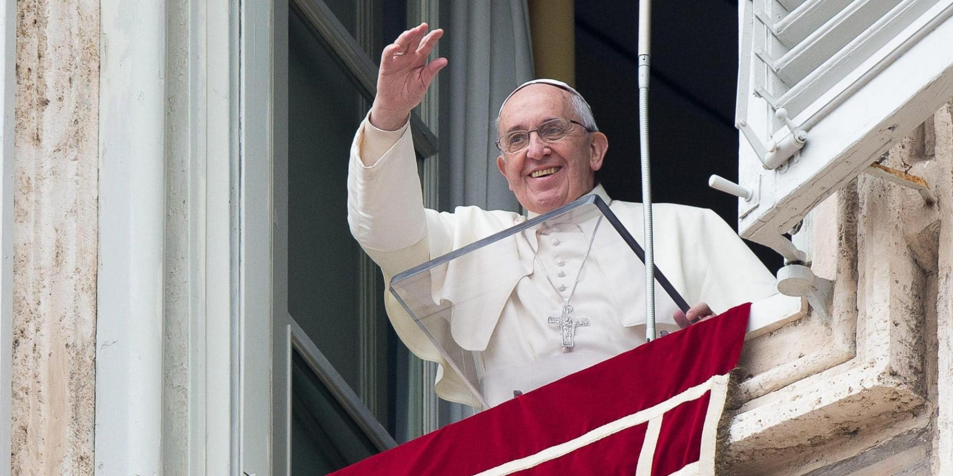 Risultati immagini per immagine di papa francescoangelus di papa francesco di oggi