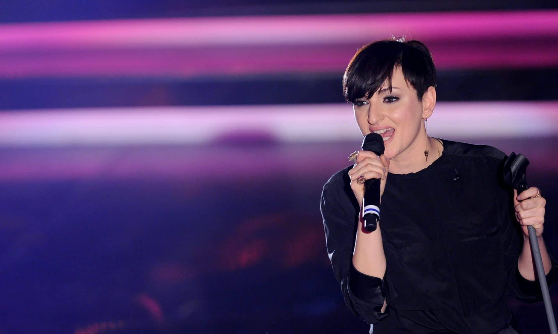 Mi sento bene: la canzone di Arisa a Sanremo 2019 | Testo e ...