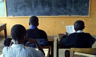 bambini kenya imparano cinese