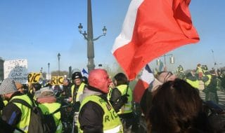 gilet gialli scontri assemblea nazionale