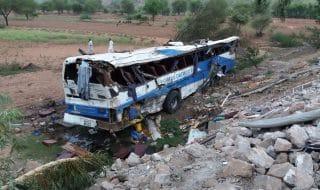 pakistan bus petroliera