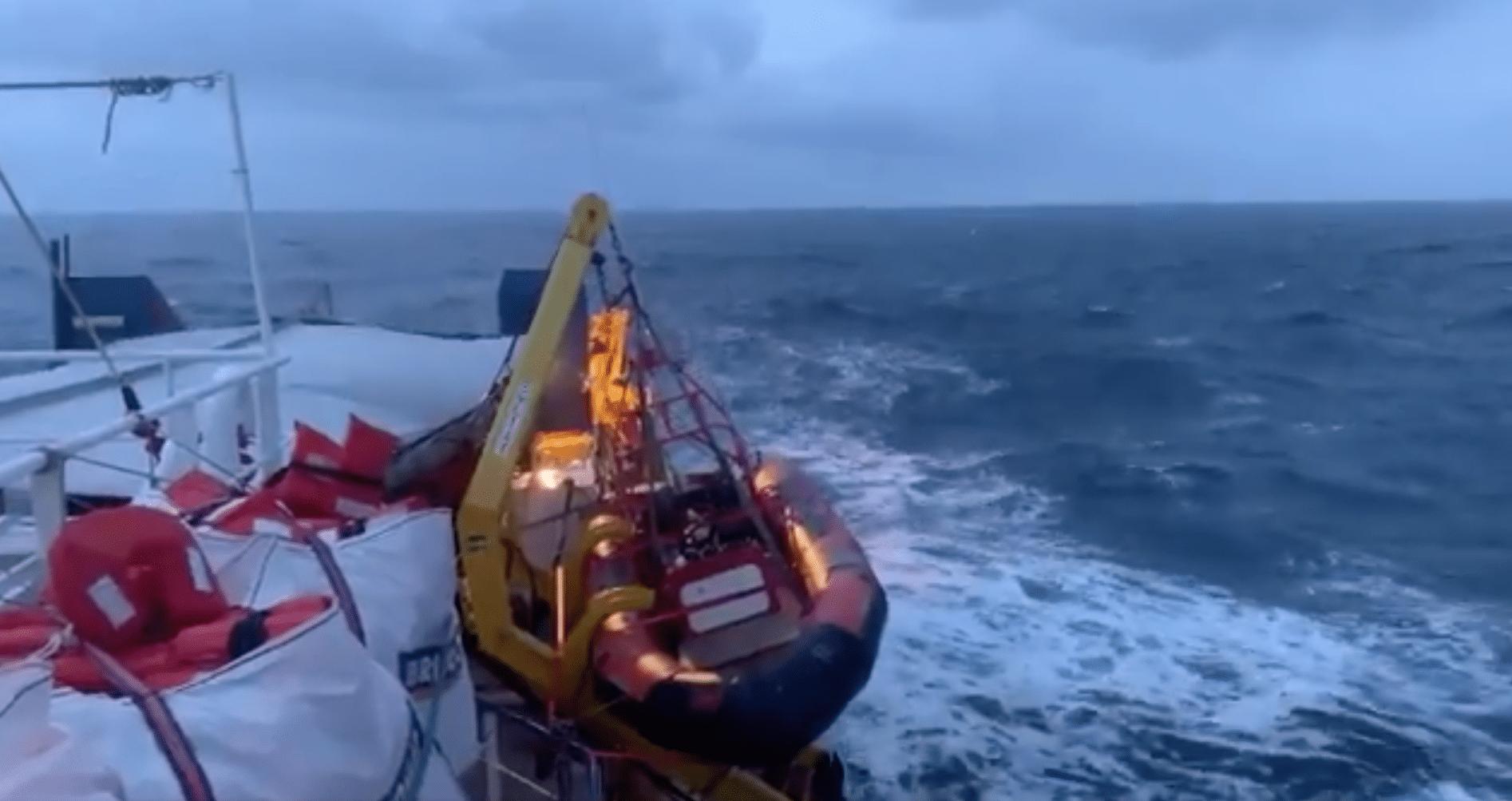 Tre parlamentari sono saliti a bordo della Sea Watch 3