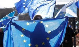 settled status europei regno unito