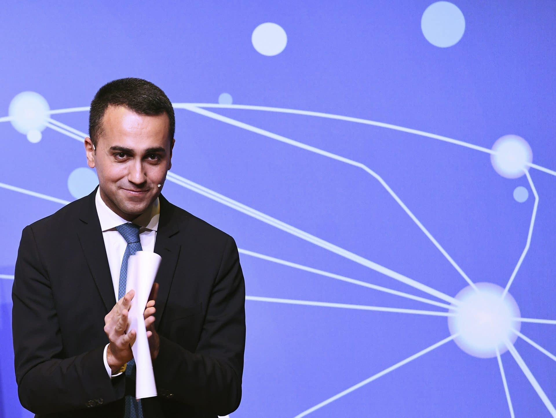 Sanremo: Di Maio, chi usa canzone contro governo sta a pezzi