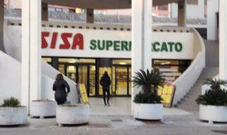 nigeriano sventa rapina supermercato