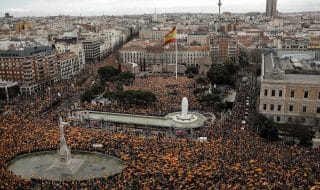 proteste madrid contro sanchez