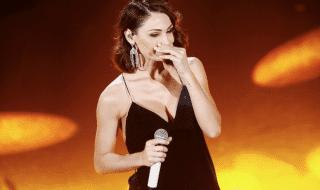 Sanremo 2019 anna tatangelo piange