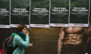 bambina stuprata aborto negato argentina