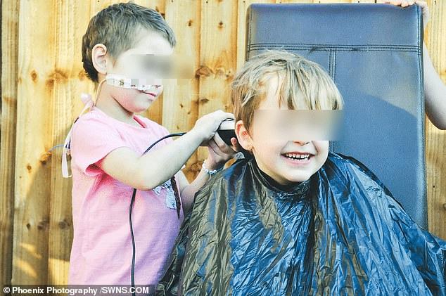 bambino capelli amica malata cancro