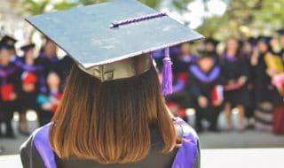 studentessa laurea fuga