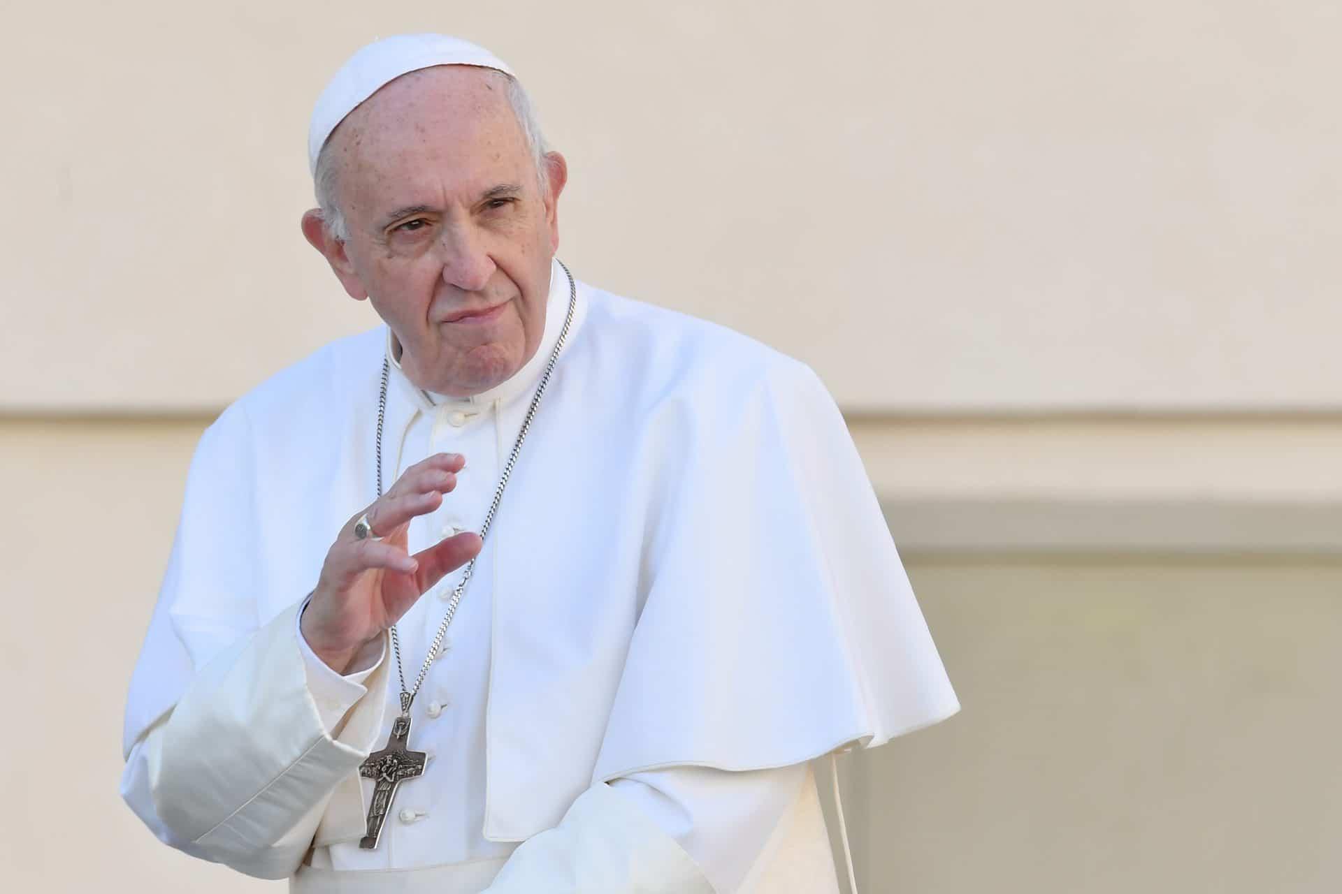 Papa Francesco invia 500 mila dollari ai migranti in Messico