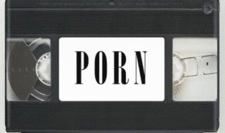 collezione porno buttata risarcimento