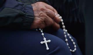 prete violenza sessuale minore